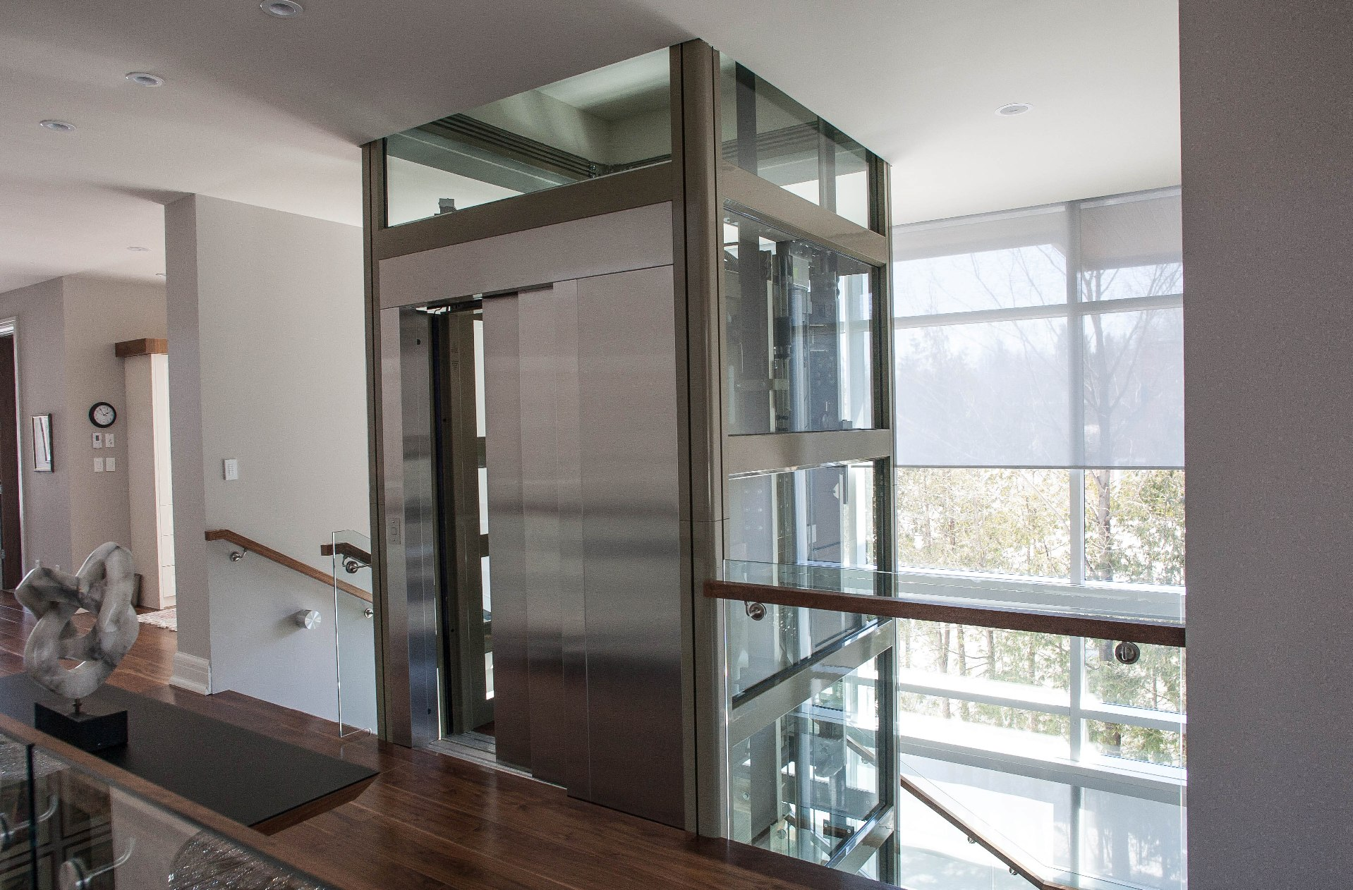 Smartech elevators gallery for Luxury homes with elevators